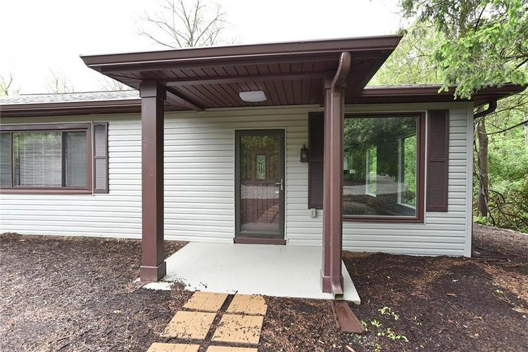 5550 N Franklin Road Indianapolis IN 46226 | MLS 21710651 | photo 2