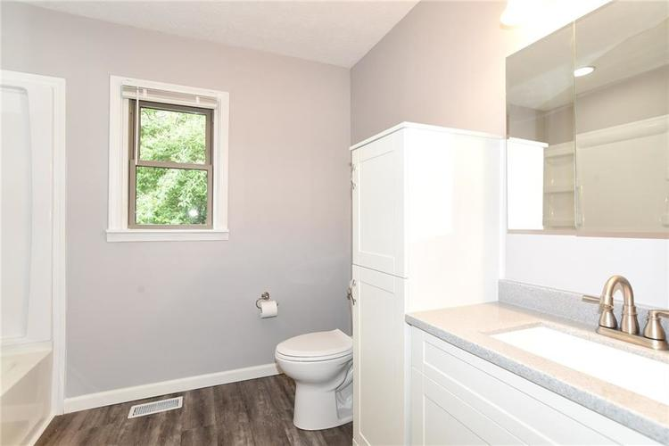 5550 N Franklin Road Indianapolis IN 46226 | MLS 21710651 | photo 24