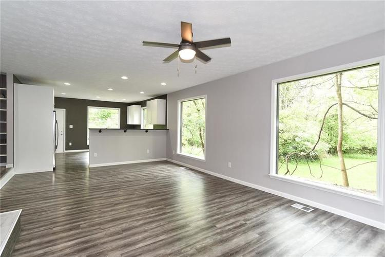 5550 N Franklin Road Indianapolis IN 46226 | MLS 21710651 | photo 5