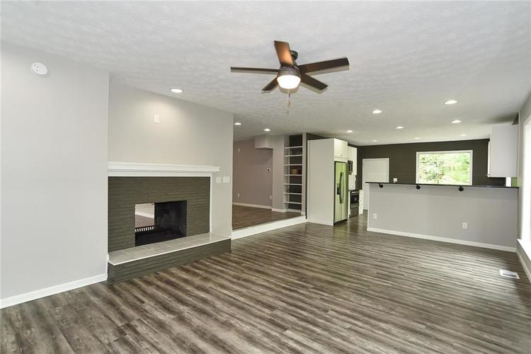 5550 N Franklin Road Indianapolis IN 46226 | MLS 21710651 | photo 6