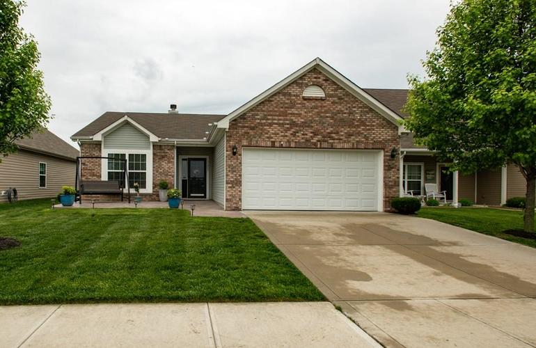 11207 Seabiscuit Drive Noblesville IN 46060 | MLS 21710685 | photo 1