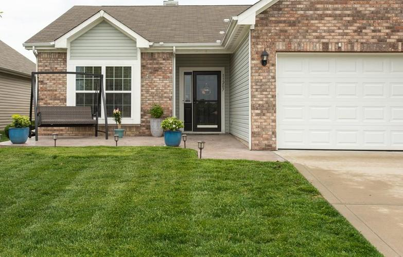 11207 Seabiscuit Drive Noblesville IN 46060 | MLS 21710685 | photo 2