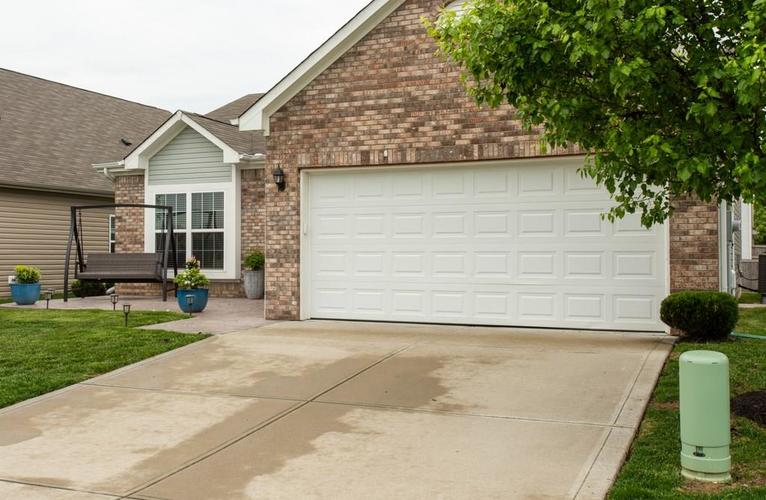 11207 Seabiscuit Drive Noblesville IN 46060 | MLS 21710685 | photo 3