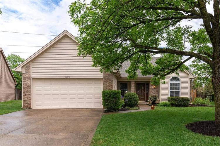 10808 Oyster Bay Court Indianapolis IN 46236 | MLS 21710717 | photo 1