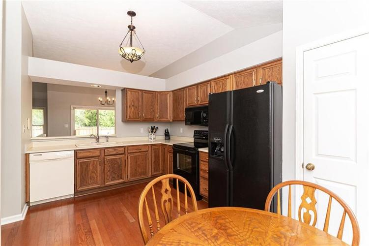 10808 Oyster Bay Court Indianapolis IN 46236 | MLS 21710717 | photo 12
