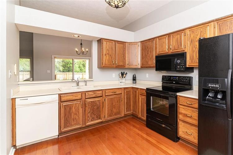 10808 Oyster Bay Court Indianapolis IN 46236 | MLS 21710717 | photo 13