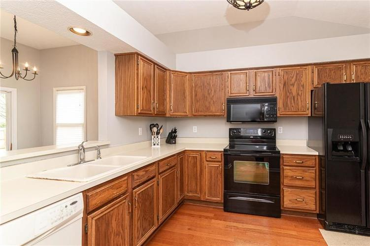 10808 Oyster Bay Court Indianapolis IN 46236 | MLS 21710717 | photo 14