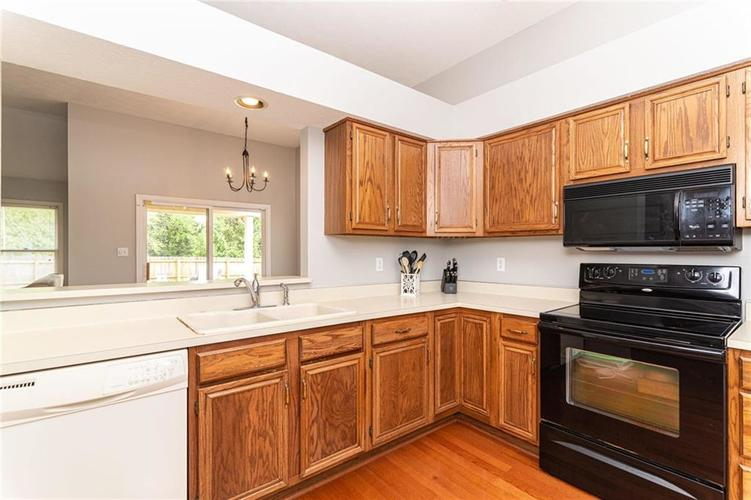 10808 Oyster Bay Court Indianapolis IN 46236 | MLS 21710717 | photo 15