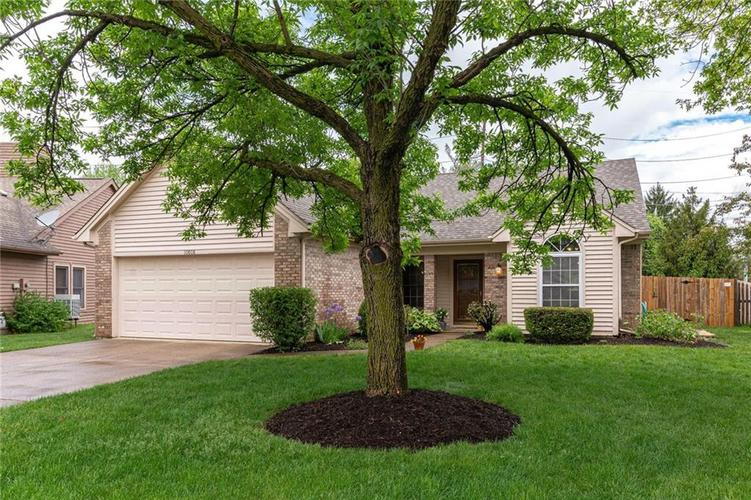 10808 Oyster Bay Court Indianapolis IN 46236 | MLS 21710717 | photo 2