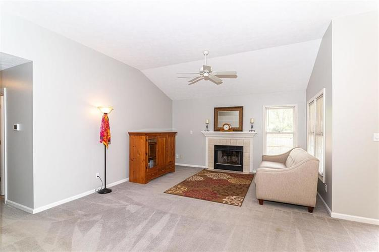 10808 Oyster Bay Court Indianapolis IN 46236 | MLS 21710717 | photo 3
