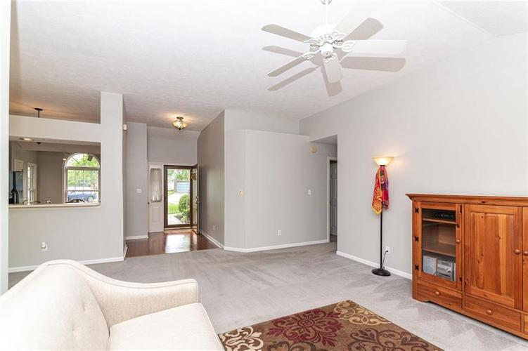 10808 Oyster Bay Court Indianapolis IN 46236 | MLS 21710717 | photo 7