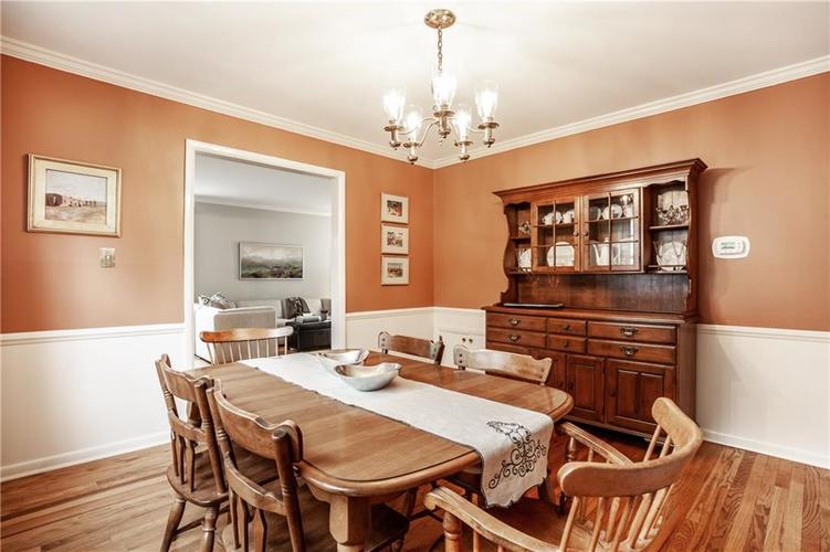 8812 Dunsmuir Drive Indianapolis IN 46260 | MLS 21710752 | photo 14