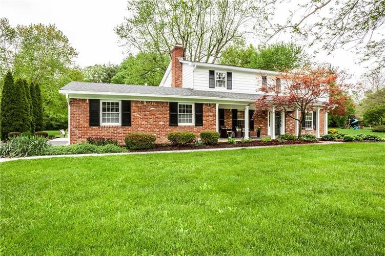 8812 Dunsmuir Drive Indianapolis IN 46260 | MLS 21710752 | photo 2