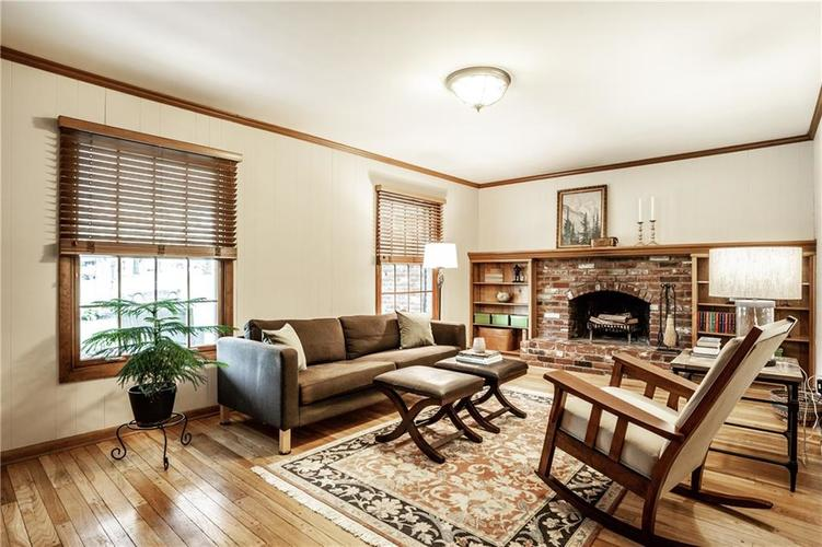 8812 Dunsmuir Drive Indianapolis IN 46260 | MLS 21710752 | photo 23