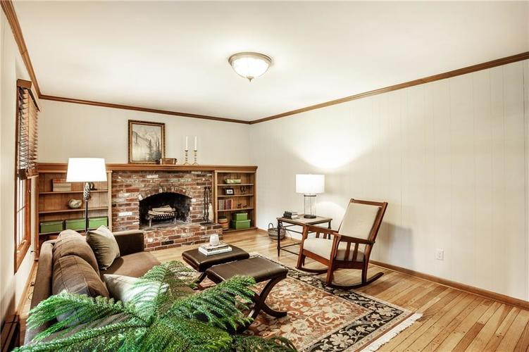 8812 Dunsmuir Drive Indianapolis IN 46260 | MLS 21710752 | photo 24