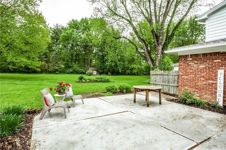 8812 Dunsmuir Drive Indianapolis IN 46260 | MLS 21710752 | photo 34