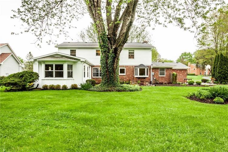 8812 Dunsmuir Drive Indianapolis IN 46260 | MLS 21710752 | photo 35
