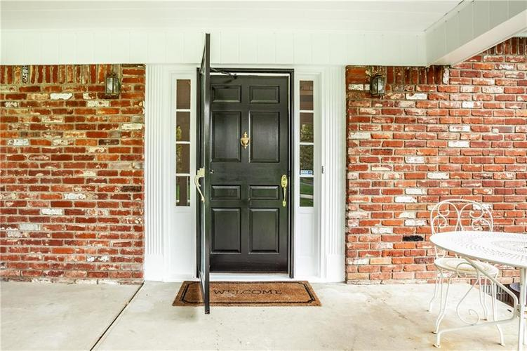 8812 Dunsmuir Drive Indianapolis IN 46260 | MLS 21710752 | photo 5