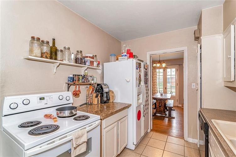 6401 CENTRAL Avenue Indianapolis IN 46220 | MLS 21710776 | photo 11