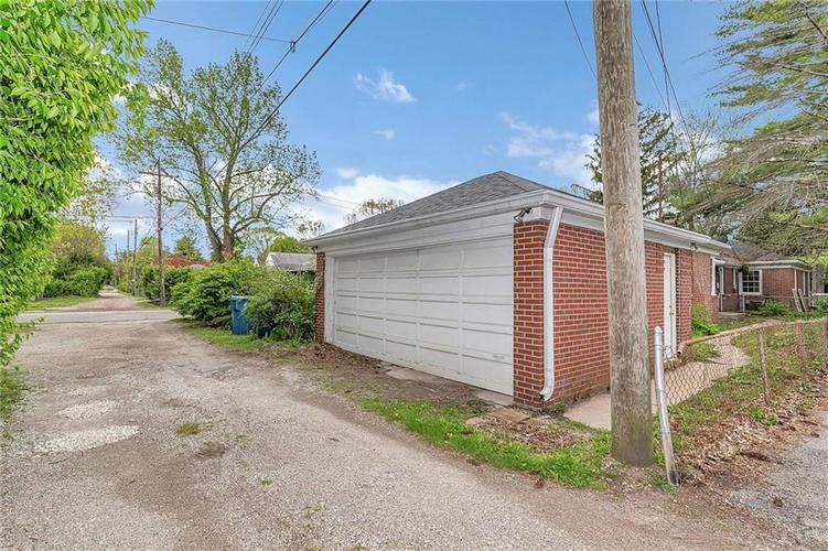6401 CENTRAL Avenue Indianapolis IN 46220 | MLS 21710776 | photo 3