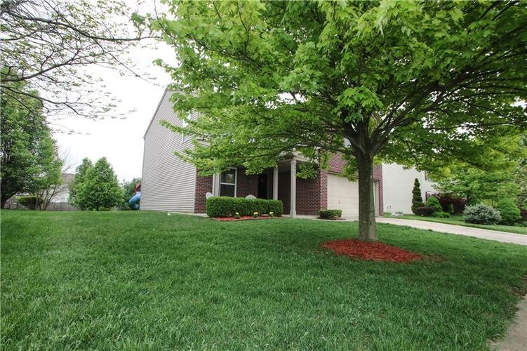 9923 Olympic Circle Indianapolis IN 46234 | MLS 21710778 | photo 2