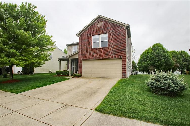 9923 Olympic Circle Indianapolis IN 46234 | MLS 21710778 | photo 3
