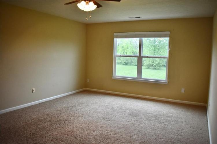 8419 Penbrooke Place Indianapolis IN 46237 | MLS 21710804 | photo 34