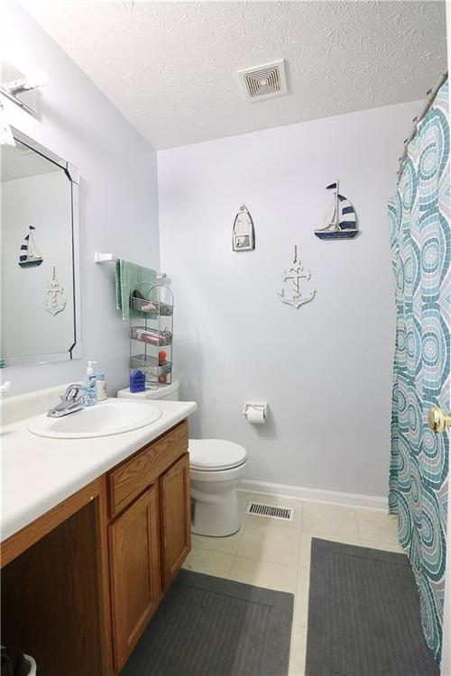 2404 Borgman Drive Indianapolis IN 46229 | MLS 21710821 | photo 19