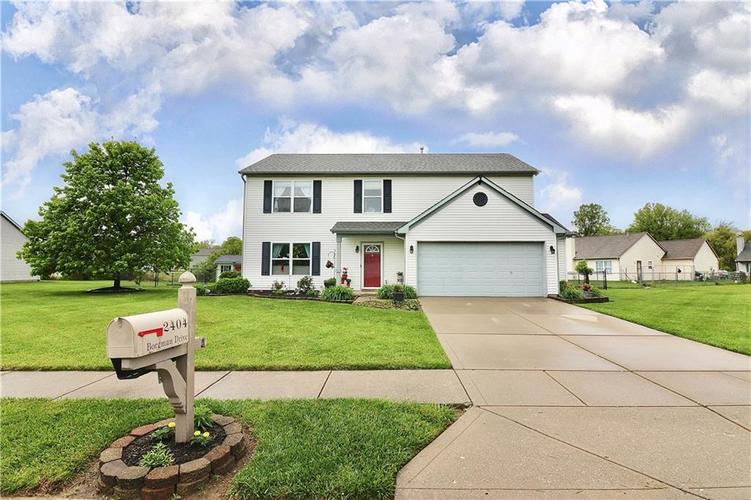 2404 Borgman Drive Indianapolis IN 46229 | MLS 21710821 | photo 3