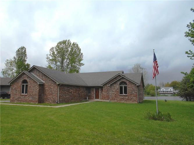2412 E County Road 800 S Clayton IN 46118 | MLS 21710828 | photo 1
