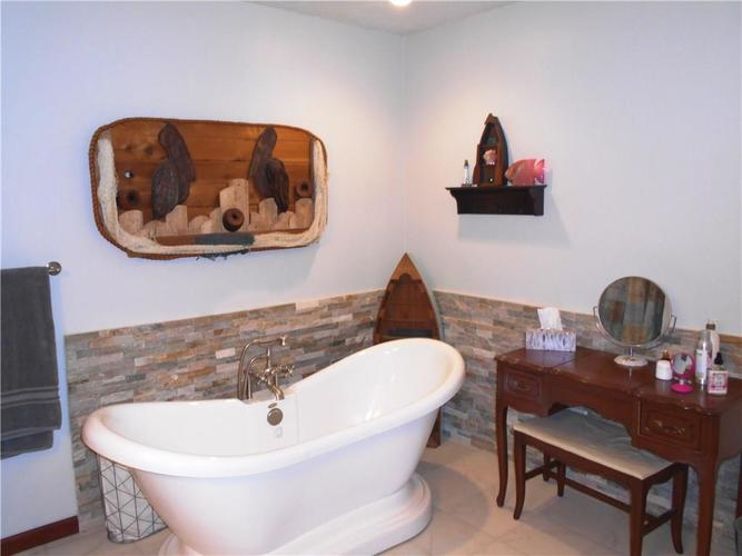 2412 E County Road 800 S Clayton IN 46118 | MLS 21710828 | photo 11