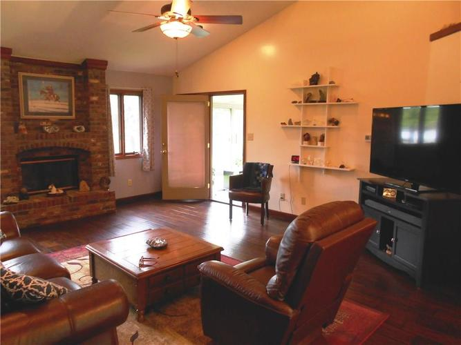 2412 E County Road 800 S Clayton IN 46118 | MLS 21710828 | photo 4