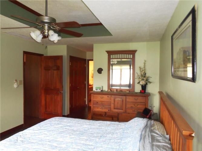 2412 E County Road 800 S Clayton IN 46118 | MLS 21710828 | photo 9