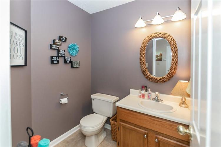 7141 Long Boat Drive Indianapolis IN 46250 | MLS 21710878 | photo 11
