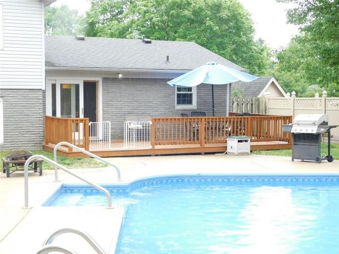 4140 Kennedy Drive Columbus IN 47203   MLS 21710897   photo 9