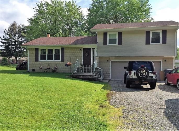 2035 W Brownstown Road North Vernon IN 47265 | MLS 21710926 | photo 1