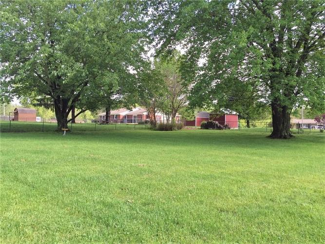 2035 W Brownstown Road North Vernon IN 47265 | MLS 21710926 | photo 3