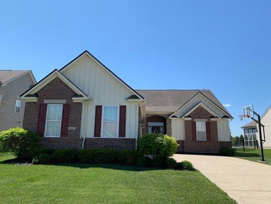 1201 Lucca Drive Greenwood IN 46143 | MLS 21710961 | photo 2