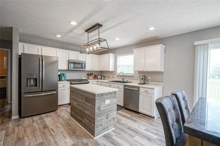 19217 Pacifica Place Noblesville IN 46060 | MLS 21710968 | photo 19