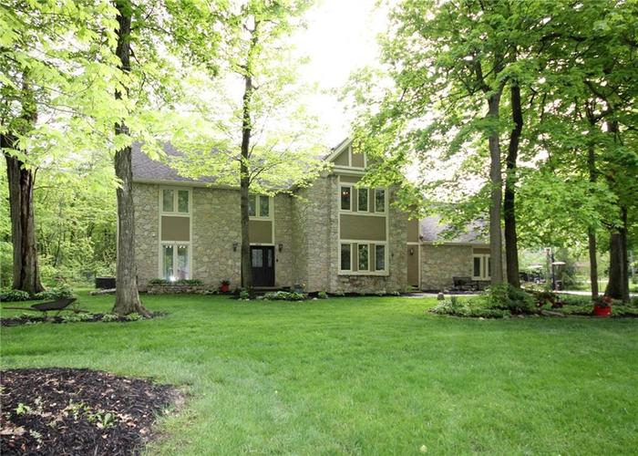 9818 CAREFREE Drive Indianapolis IN 46256 | MLS 21710995 | photo 1