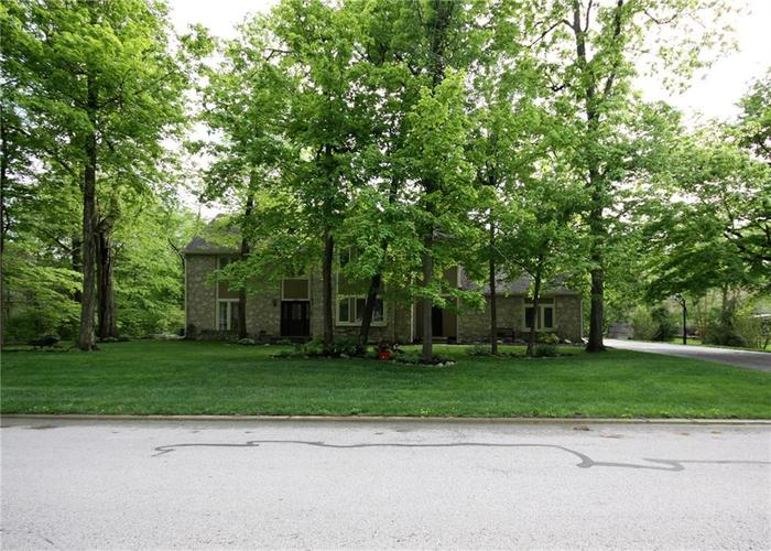 9818 CAREFREE Drive Indianapolis IN 46256 | MLS 21710995 | photo 2