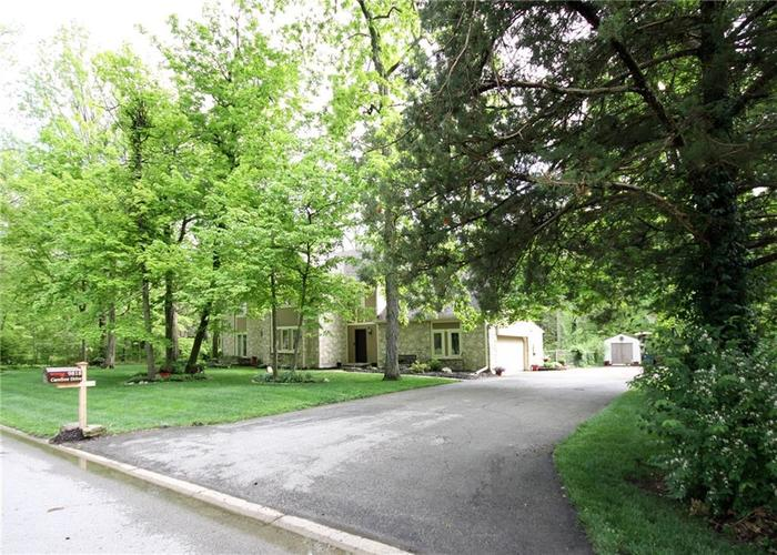9818 CAREFREE Drive Indianapolis IN 46256 | MLS 21710995 | photo 3