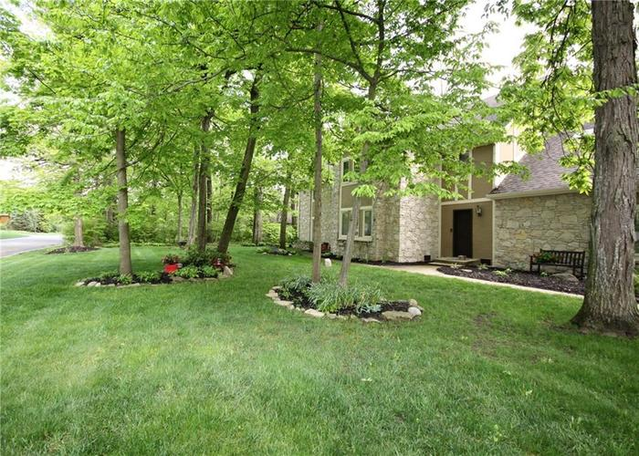 9818 CAREFREE Drive Indianapolis IN 46256 | MLS 21710995 | photo 4