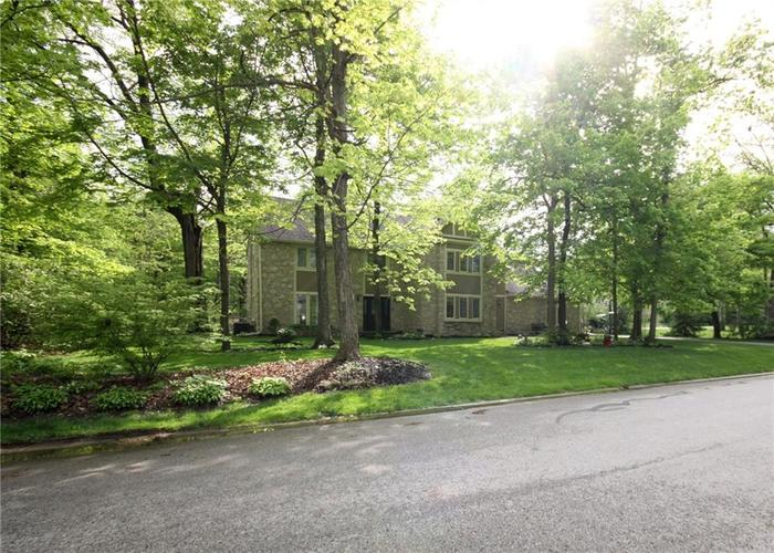 9818 CAREFREE Drive Indianapolis IN 46256 | MLS 21710995 | photo 5