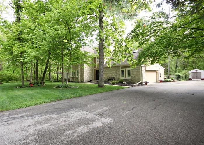 9818 CAREFREE Drive Indianapolis IN 46256 | MLS 21710995 | photo 6