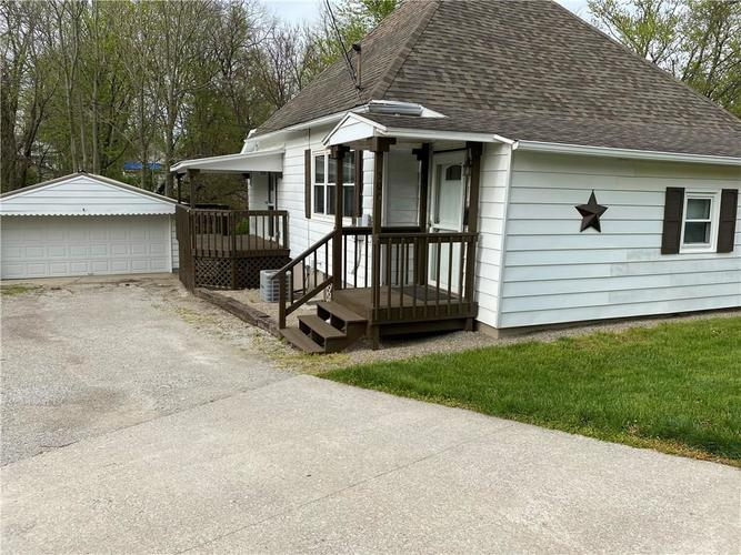 500 E Chestnut Street Crawfordsville IN 47933 | MLS 21711001 | photo 1