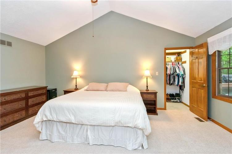7428 Cherryhill Drive Indianapolis IN 46254 | MLS 21711023 | photo 16