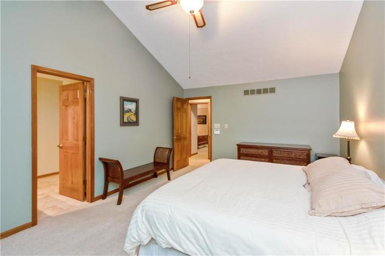 7428 Cherryhill Drive Indianapolis IN 46254 | MLS 21711023 | photo 17
