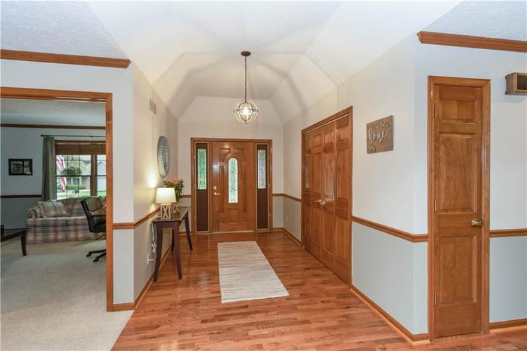 7428 Cherryhill Drive Indianapolis IN 46254 | MLS 21711023 | photo 2