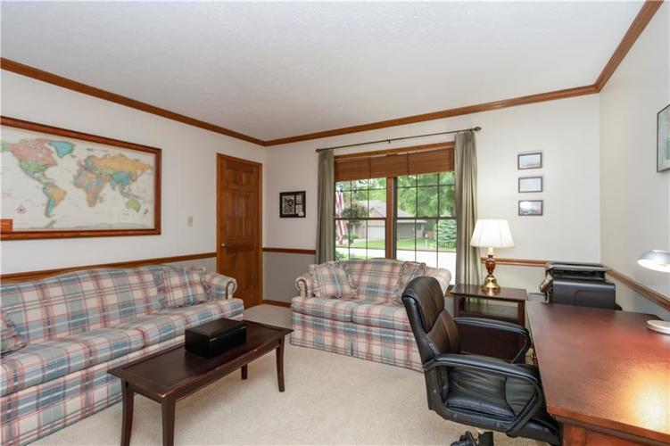 7428 Cherryhill Drive Indianapolis IN 46254 | MLS 21711023 | photo 23